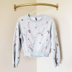 H&M Divided Grey Embroidered Floral Crop Crew Neck